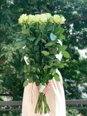 Букет 21 белая роза Премиум, 70 см - заказ и доставка цветов Киев
