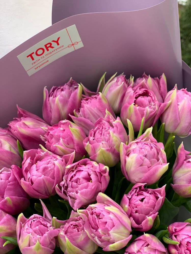 Букет 101 пионовидный лиловый тюльпан