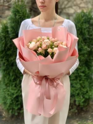 Букет 15 роз спрей кремовых - заказ и доставка цветов Киев