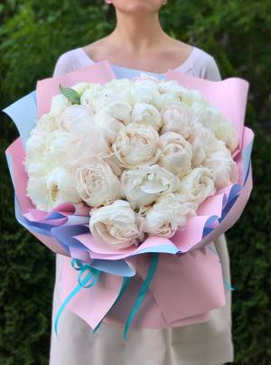 Букет 31 белый пион - заказ и доставка цветов Киев
