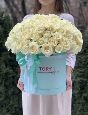 101 белая роза в шляпной коробке - заказ и доставка цветов Киев
