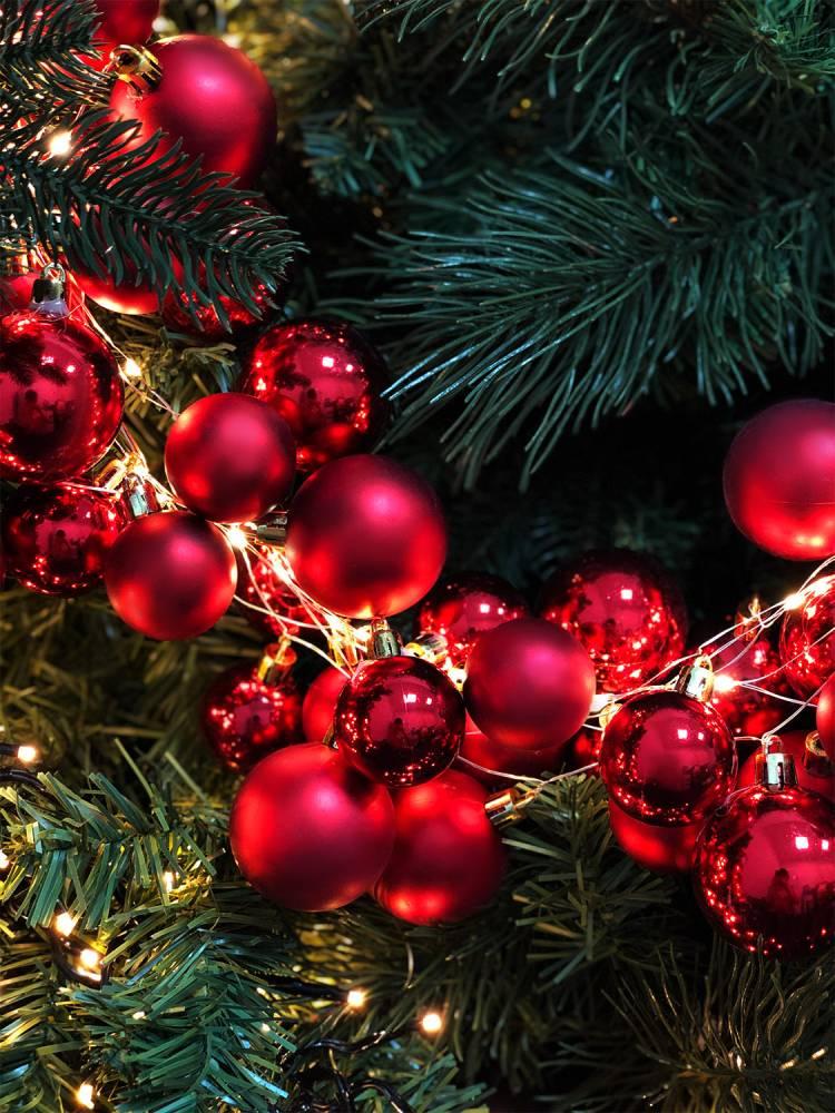 Гирлянда из 138 красных LED шаров
