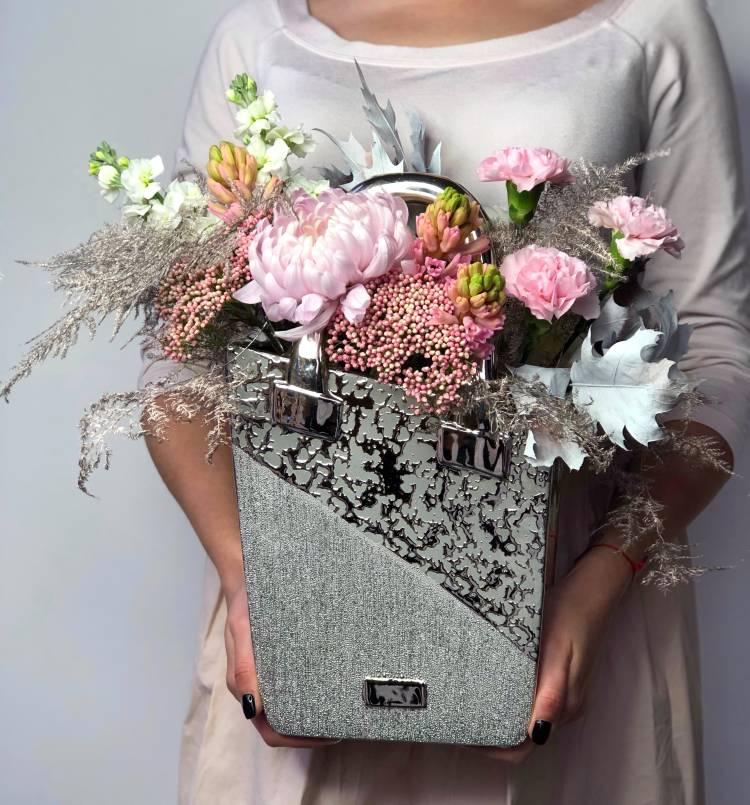 """Цветы в керамической вазе """"Аврора"""""""
