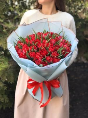 Букет 51 красный пионовидный тюльпан - заказ и доставка цветов Киев