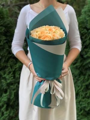 Букет 11 персиковых роз - заказ и доставка цветов Киев