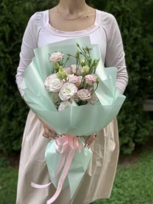 Букет 5 бело-розовых эустом - заказ и доставка цветов Киев