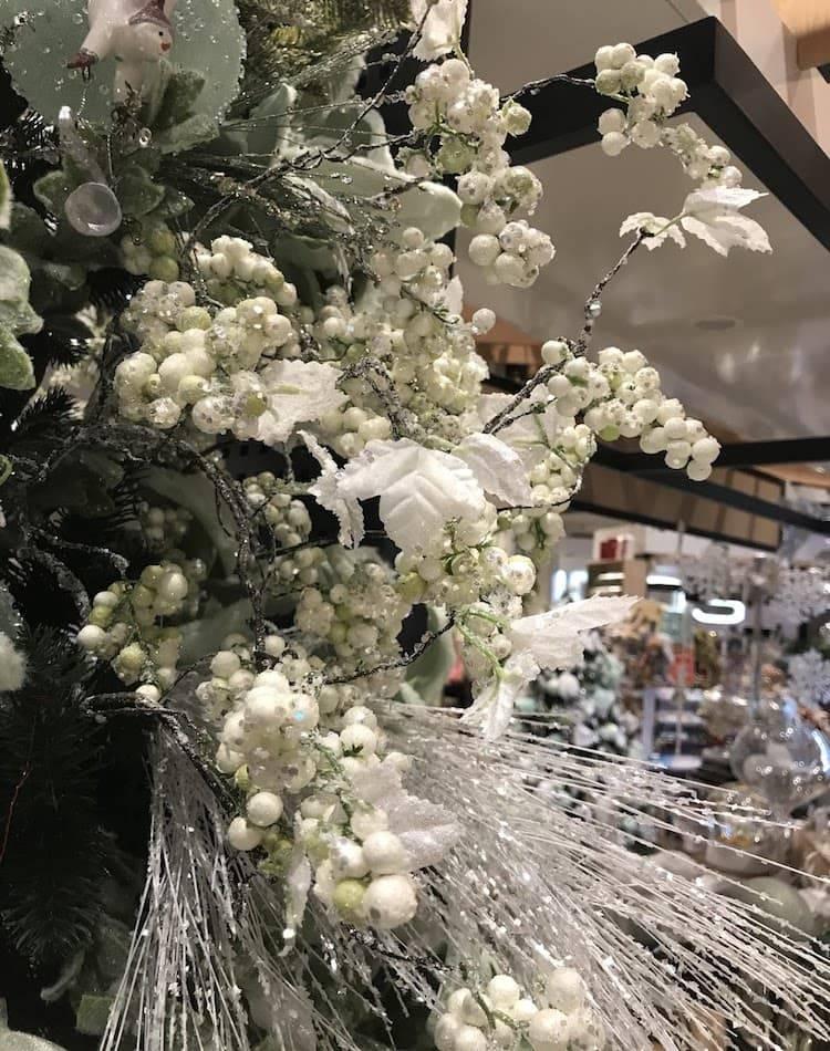 Новогоднее украшение Стебель с ягодами и листьями в блёстках, белый, 91 см
