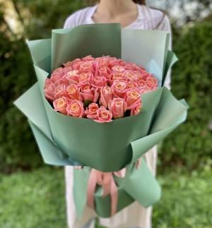 БУКЕТ 51 ЯНТАРНАЯ РОЗА В УПАКОВКЕ - заказ и доставка цветов Киев