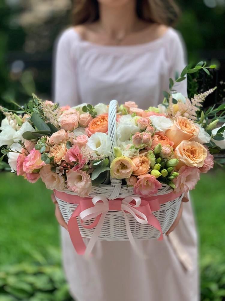 """Цветы в корзине """"Радостное ожидание"""""""