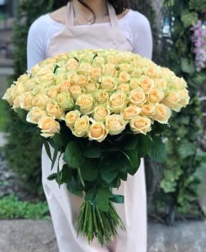 Букет 101 персиковая роза - заказ и доставка цветов Киев