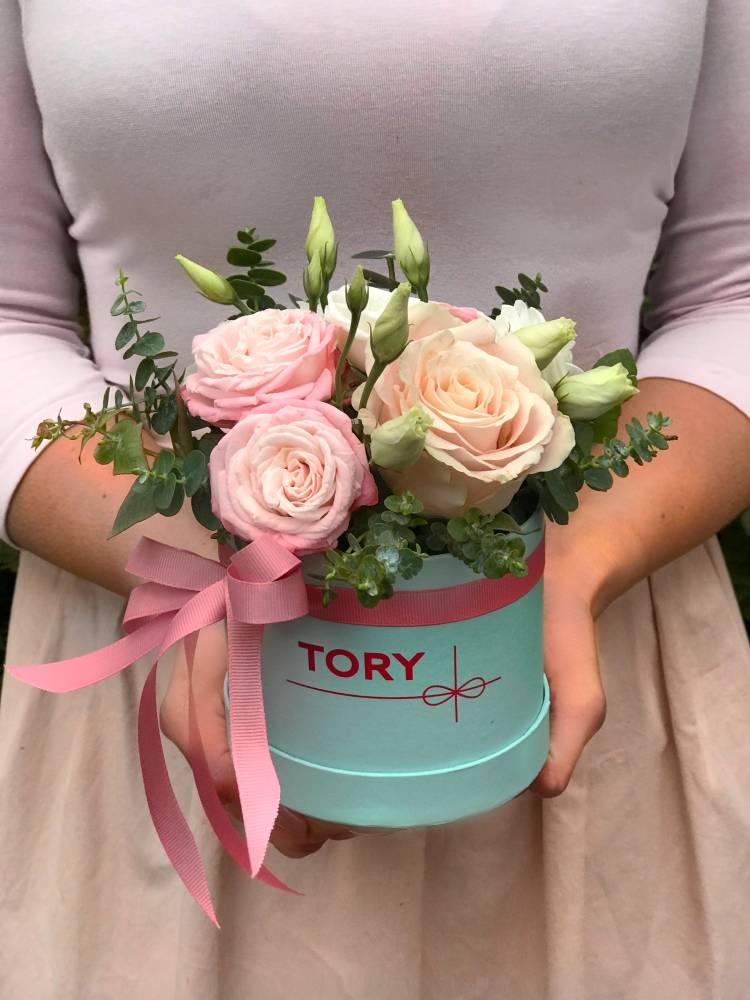 """Цветы в коробке """"Запоминающийся день"""""""