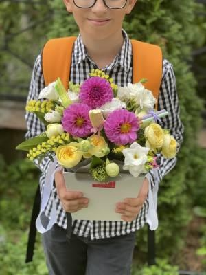 Композиция в кашпо Яркиеи  Моменты - заказ и доставка цветов Киев