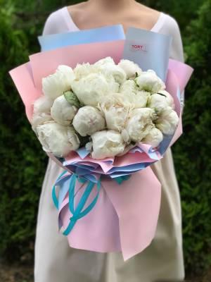 Букет 19 белых пионов - заказ и доставка цветов Киев
