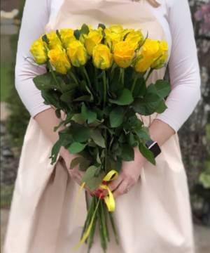Букет 21 желтая роза - заказ и доставка цветов Киев