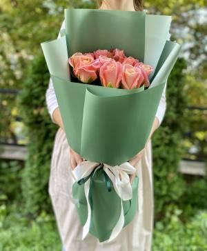 Букет 11 янтарных роз в упаковке - заказ и доставка цветов Киев
