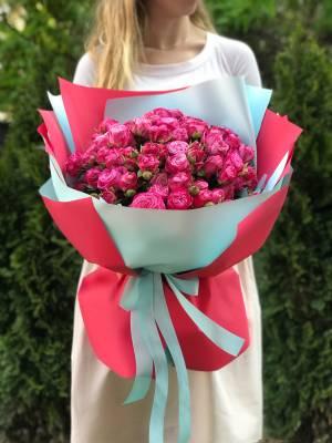 Букет 35 троянд спрей малинових - заказ и доставка цветов Киев