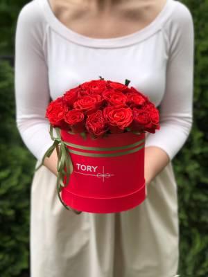 21 красная роза Эль Торо в шляпной коробке - заказ и доставка цветов Киев