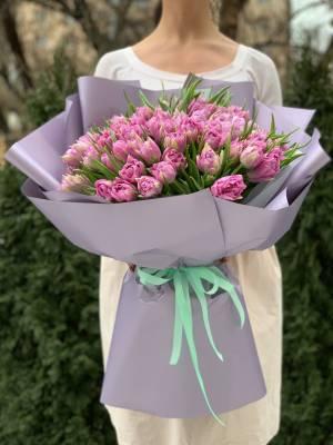 Букет 101 пионовидный лиловый тюльпан - заказ и доставка цветов Киев