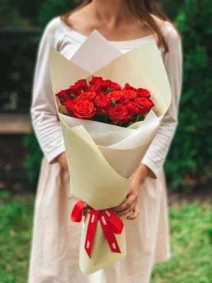 Букет 21 роза Эль Торо в упаковке - заказ и доставка цветов Киев
