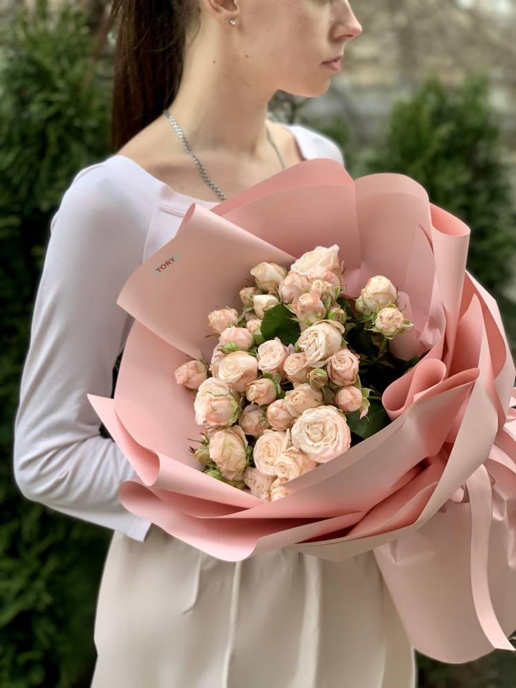 Букет 15 роз спрей кремовых